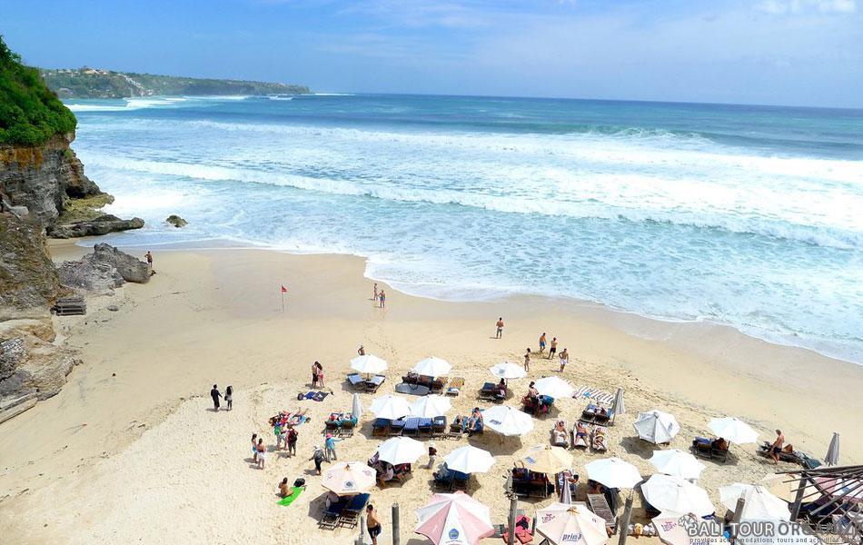 Dreamland Beach Surfing Point